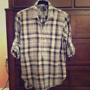 Gap half button up shirt